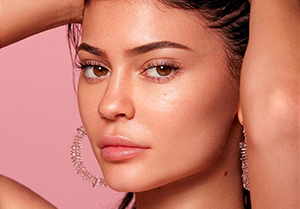 Douglas: Video Interstitial zum Europa-Launch von KYLIE SKIN